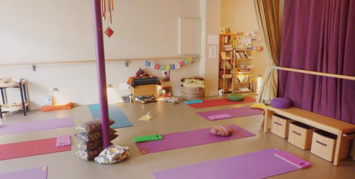 la salle de yoga manashanti yoga. Black Bedroom Furniture Sets. Home Design Ideas